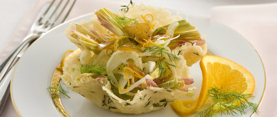 Fennel and Bra duro Perla salad in cheese baskets