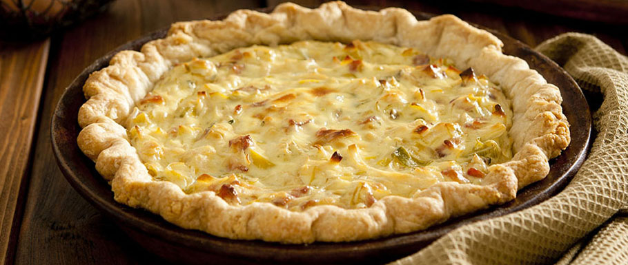Onions and cooked salami quiche with Piedmontese Perla Toma